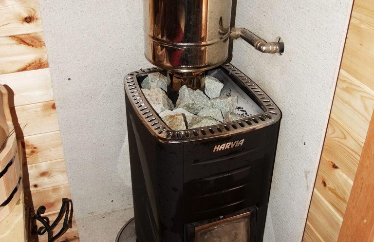 печь в бане из мини бруса